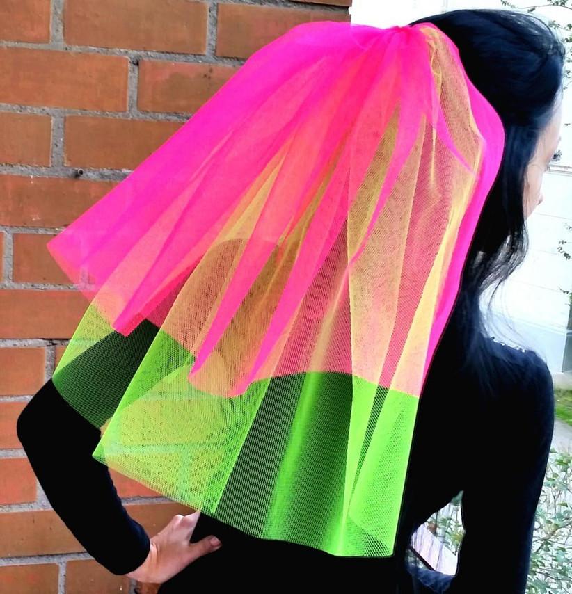 neon-wedding-veil-for-a-hen-party-2
