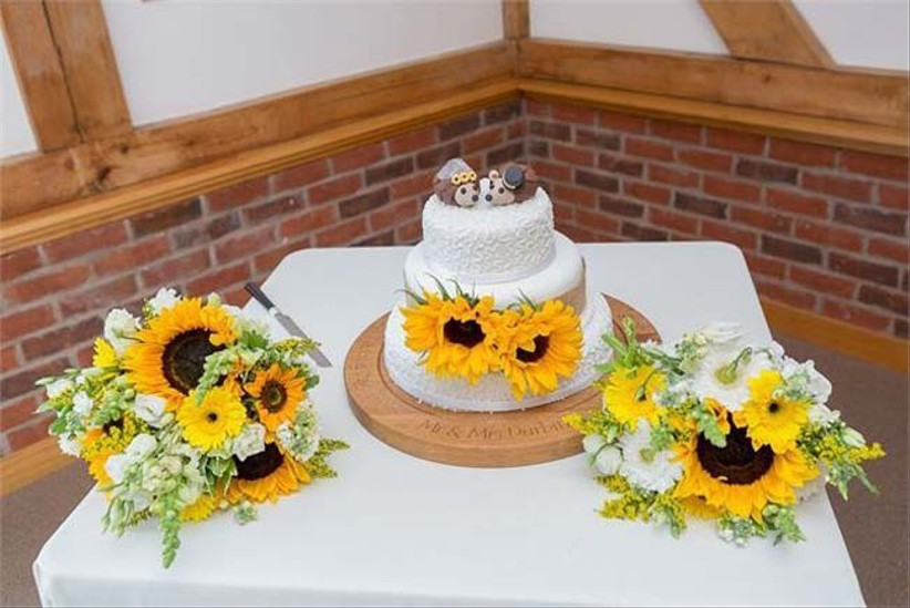 sunflowers-are-a-popular-summer-wedding-flower-that-would-look-stunning-in-your-bouquet-and-in-your-decor