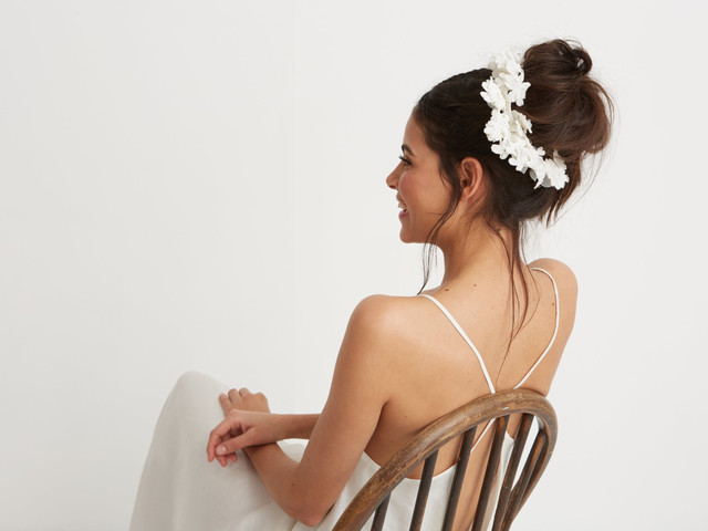 The Ultimate Wedding Hair Accessories Guide: 53 Gorgeous Ideas