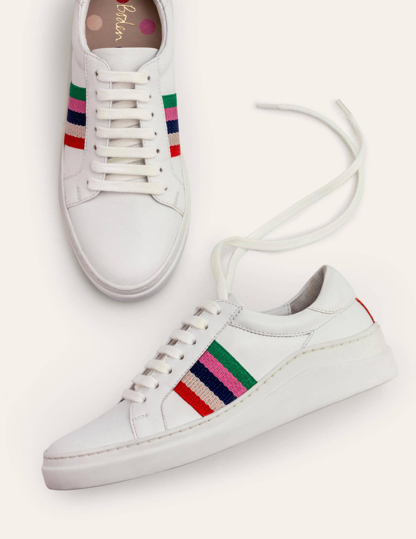 White and coloured stripes trainers