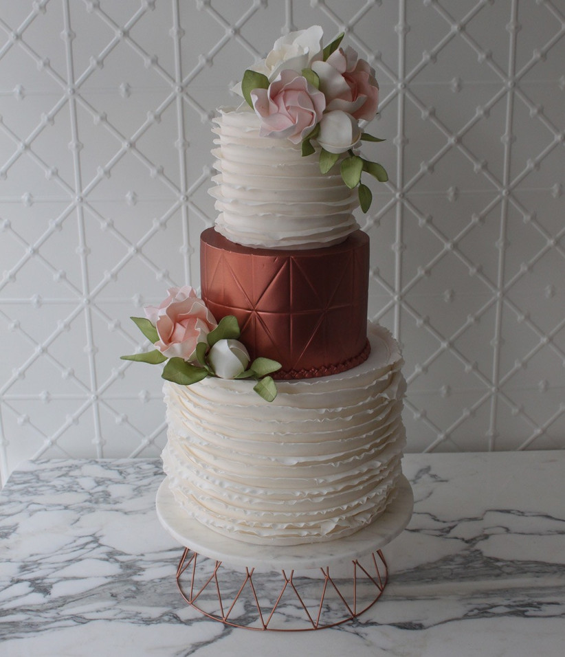 wedding-cake-with-bold-rose-gold-and-geometric-tier