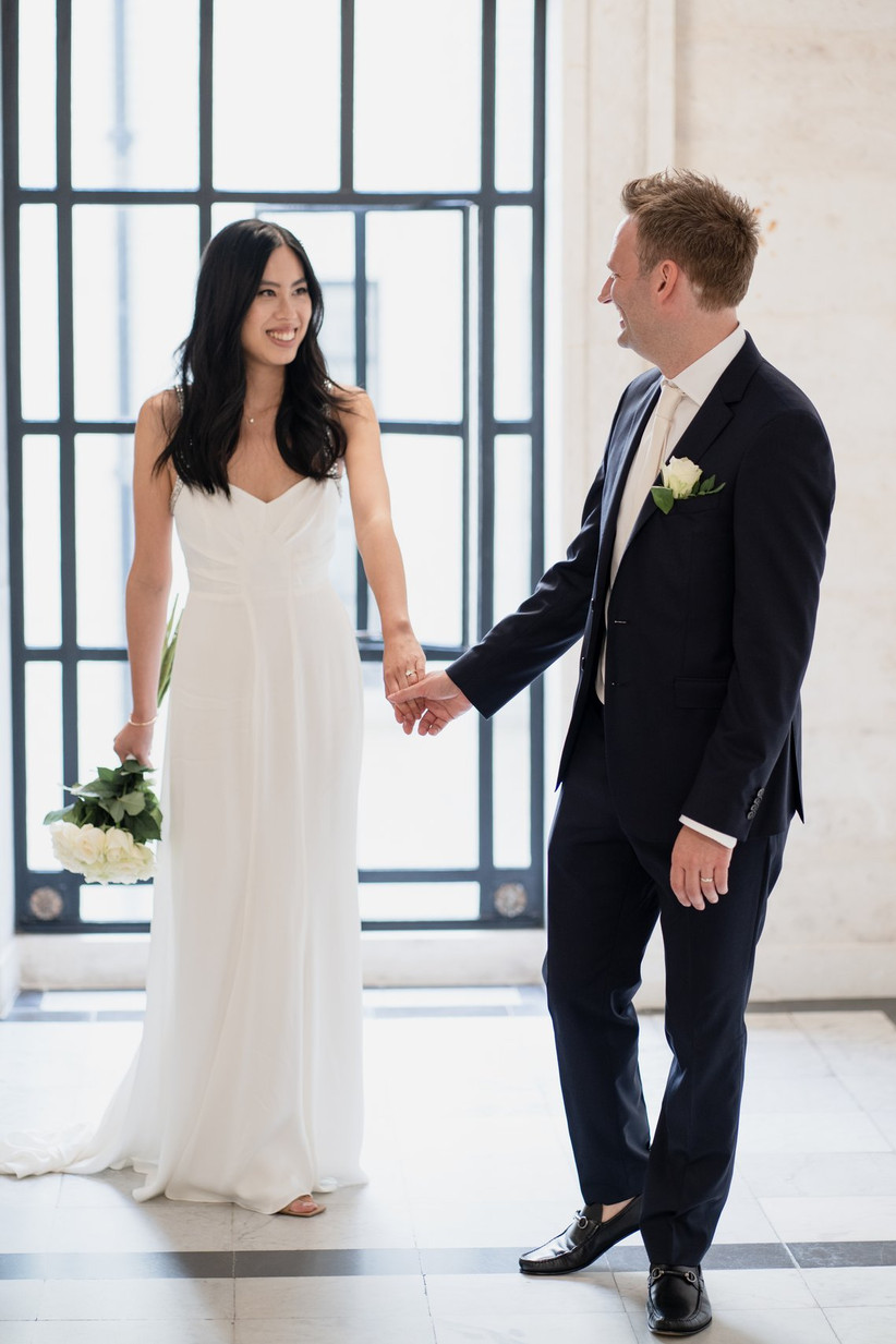 Newlywed couple in Old Marylebone Town Hall