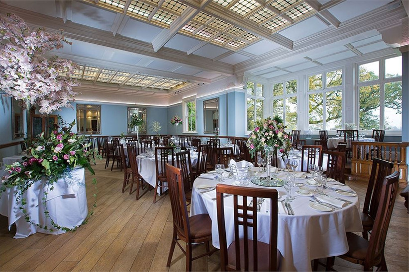 save-money-on-your-wedding-venue-14
