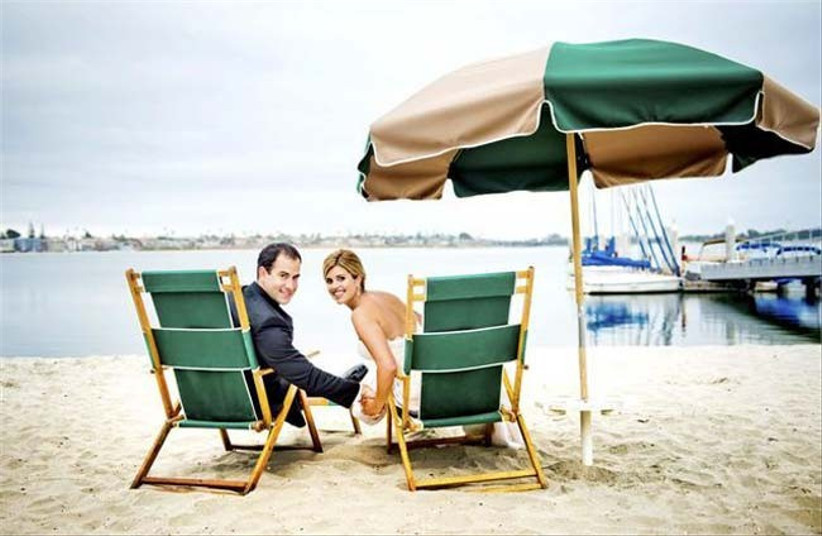 grab-some-deckchairs-at-your-wedding-on-the-beach