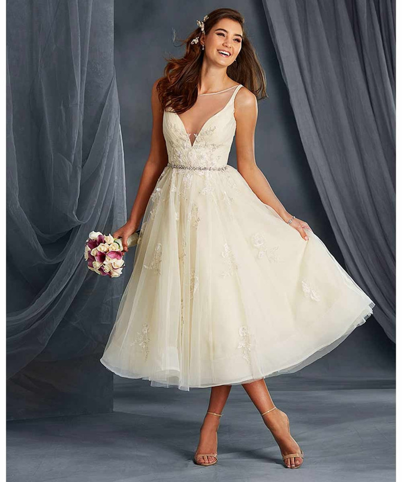 alfred-angelo-wedding-dress-for-petite-brides