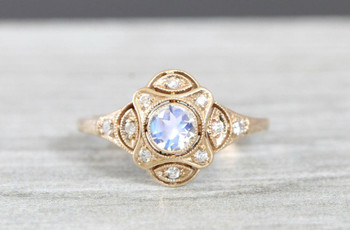 31 Beautiful Moonstone Engagement Rings for Alternative Brides