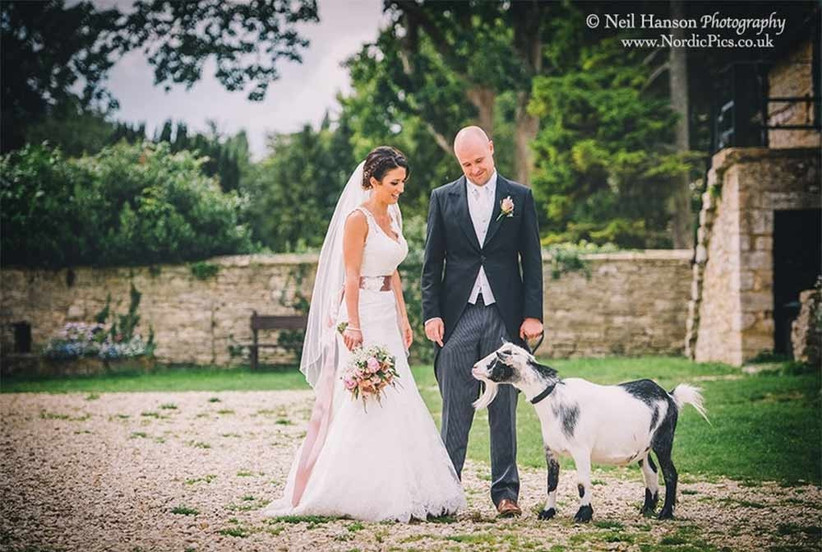 cogges-manor-farm-wedding-venue