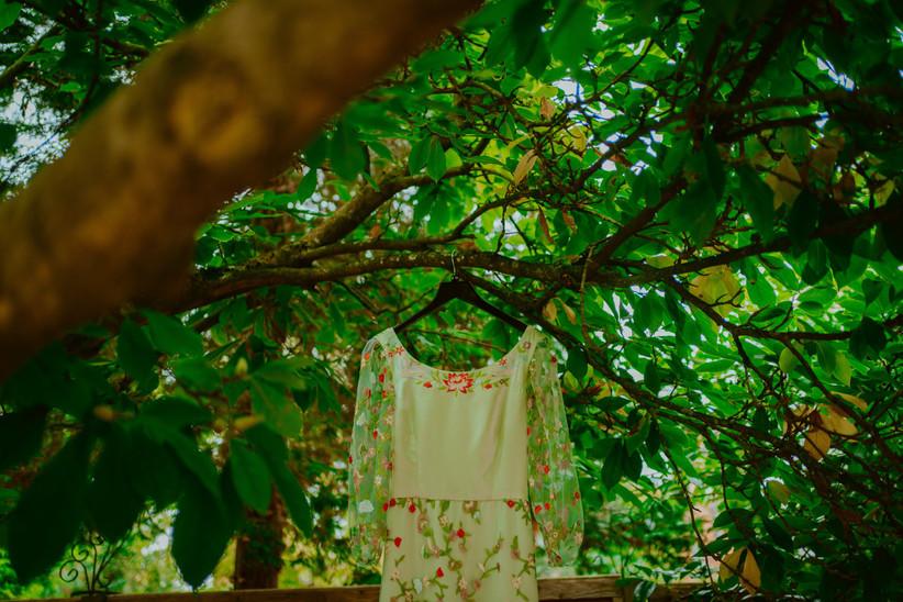 Nirosha's wedding dress