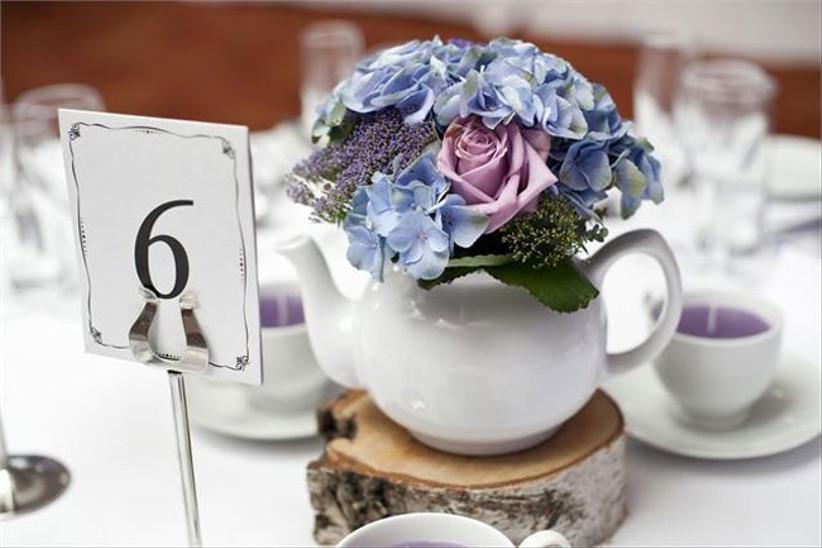 teapot-wedding-centrepiece