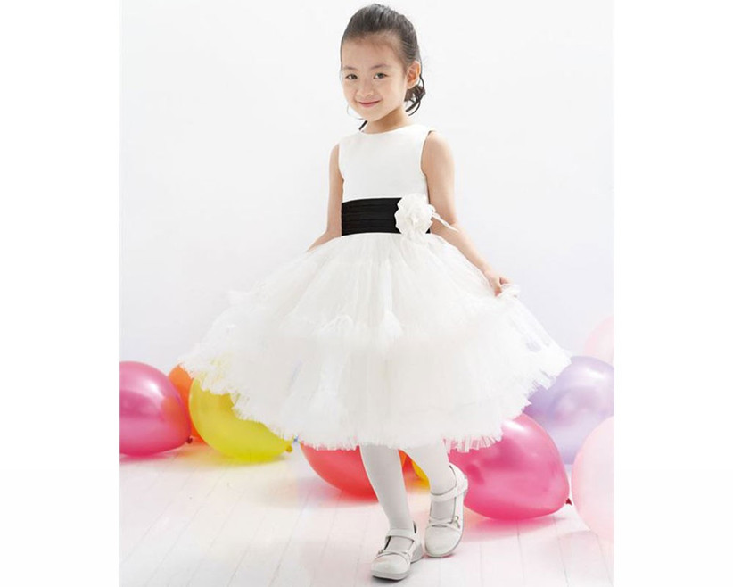 monochrome-flower-girl-outfit