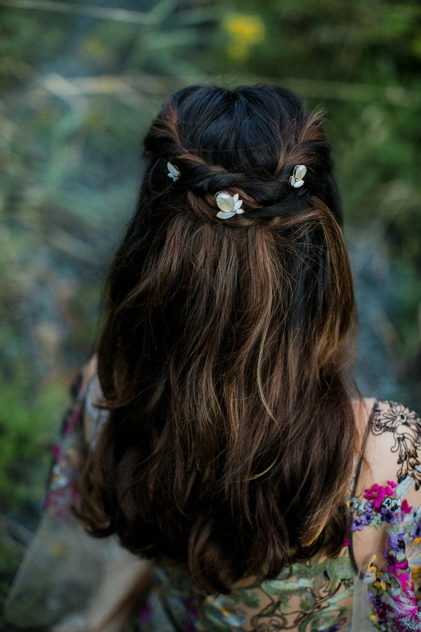 Best wedding hairstyles for long hair 16