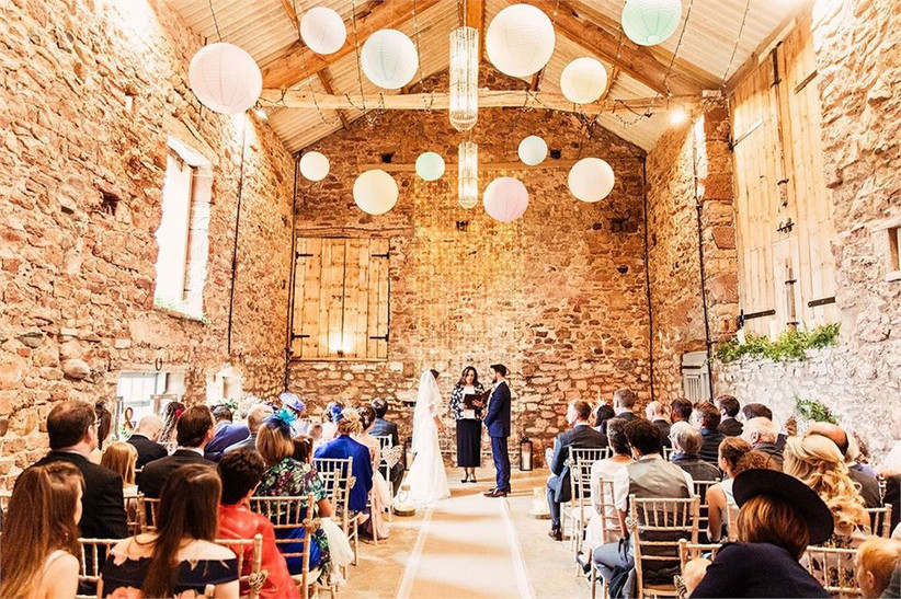 barn-wedding-venues-10