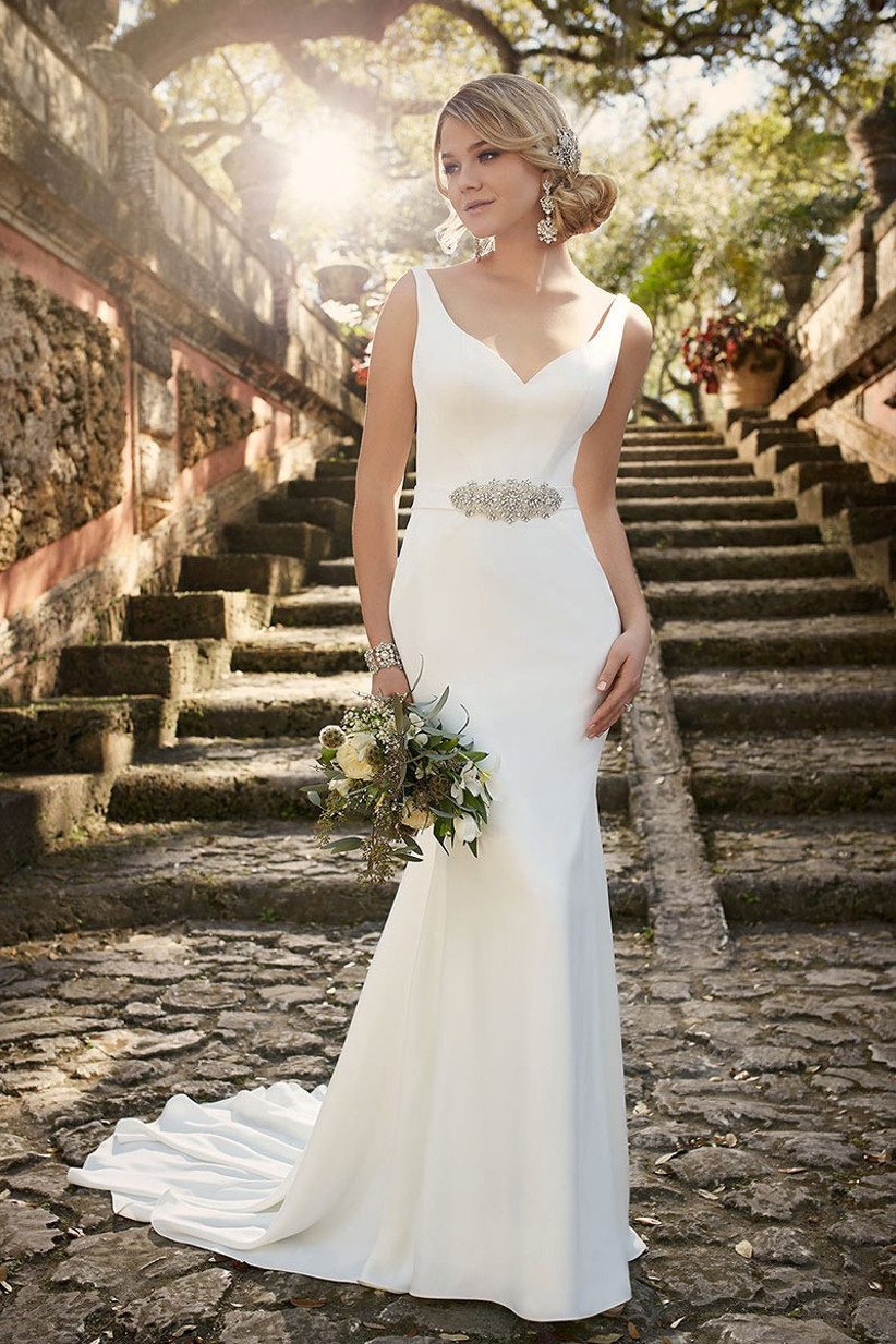 wedding-dresses-for-a-small-bust-13