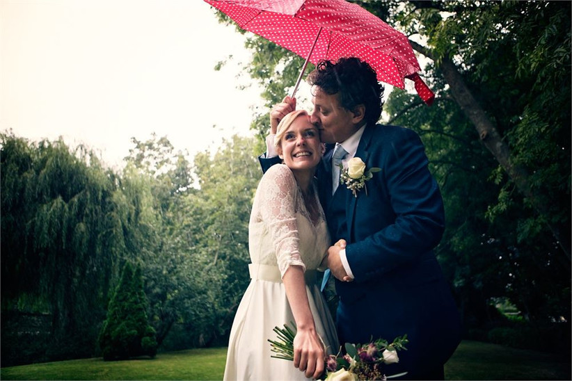 benni-carol-wedding-day-rain-2