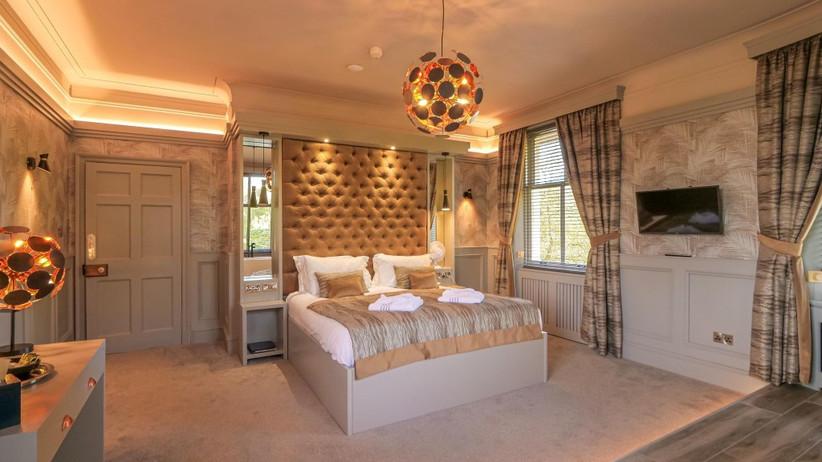 Chic and stylish cream bedroom