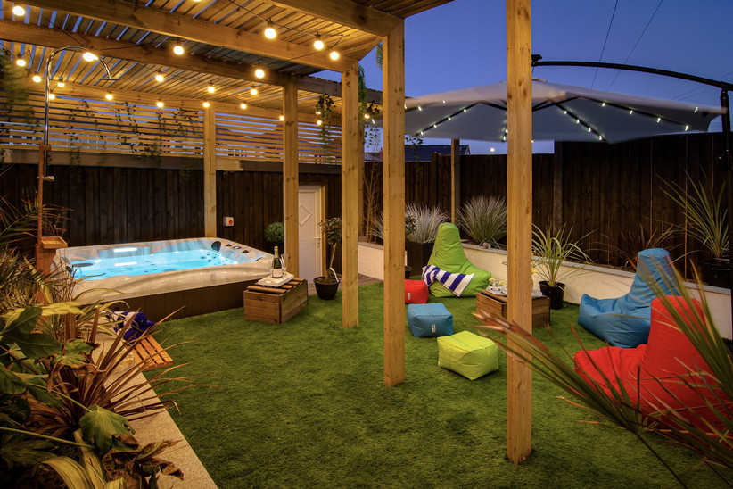Love Island themed hen party house