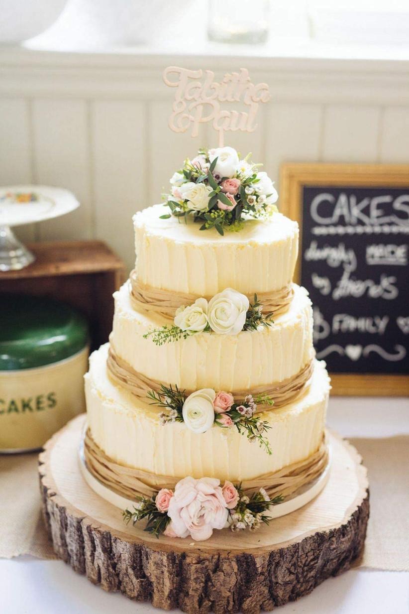 Log slice wedding cake stand