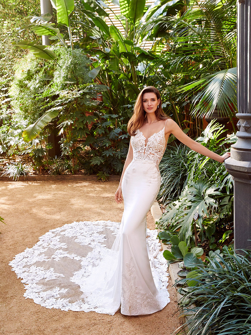 Enzoani Pallas with lace bodice and georgette skirt