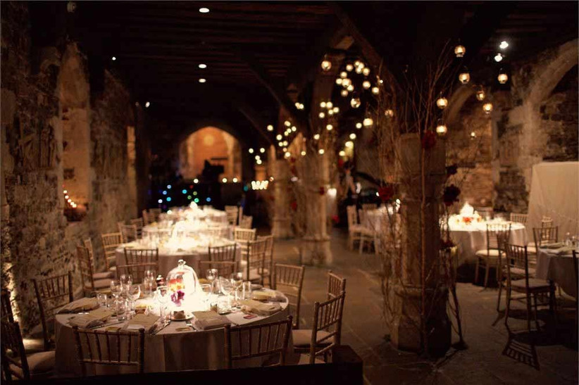 unusual-wedding-venue-the-crypt