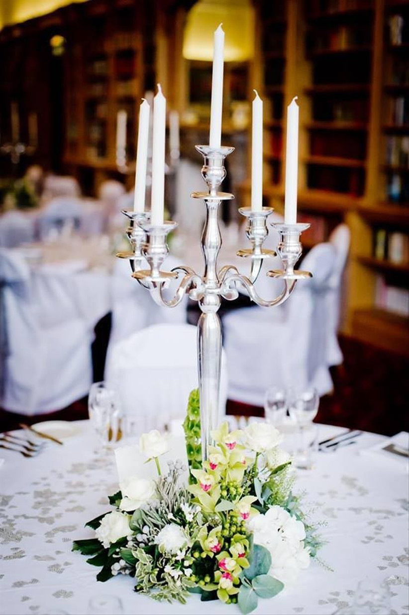 wedding-centrepiece-with-snapdragons