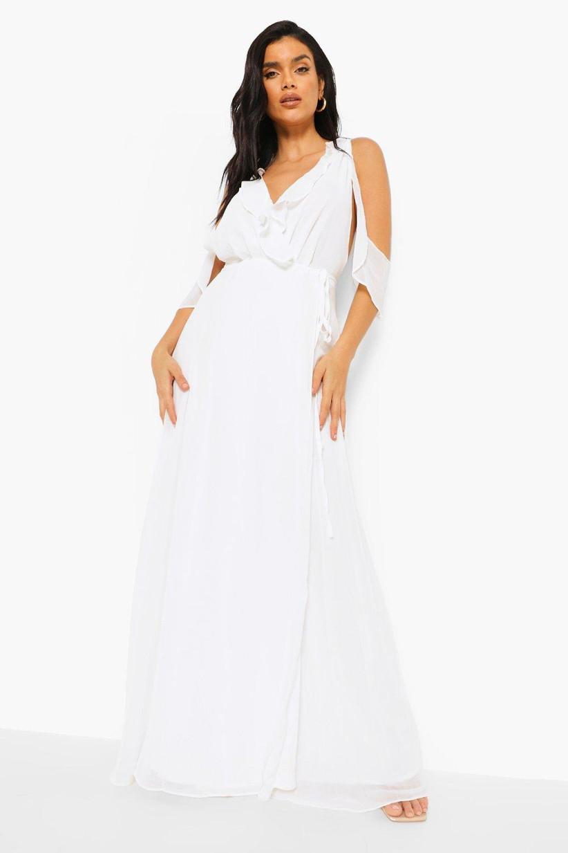 Girl wearing a white frill wedding dress