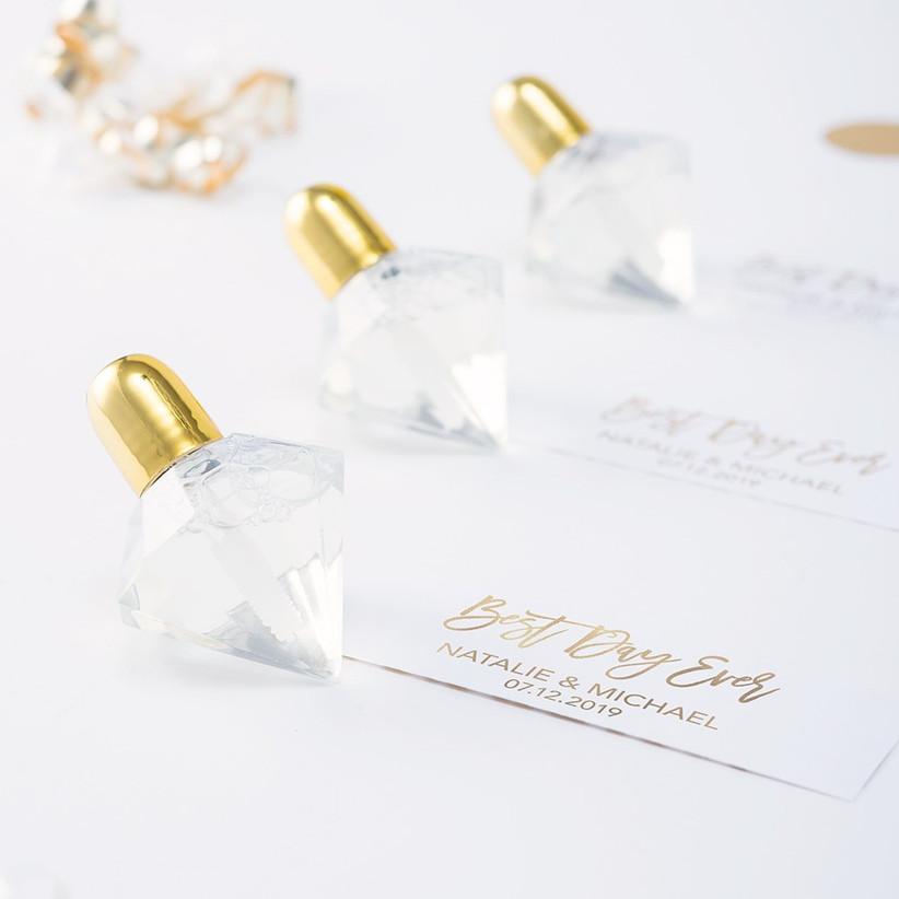 Gold diamond shaped bubble blowers