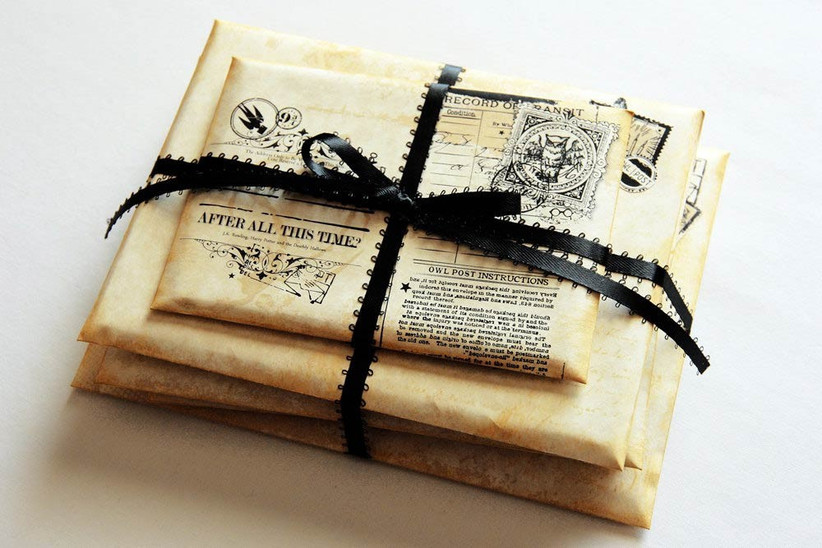 ring-box-designed-to-look-like-hogwarts-acceptance-letters
