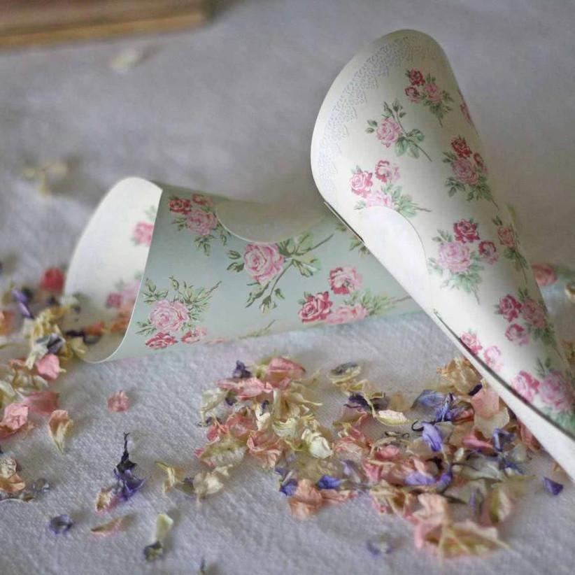 floral-confetti-cones