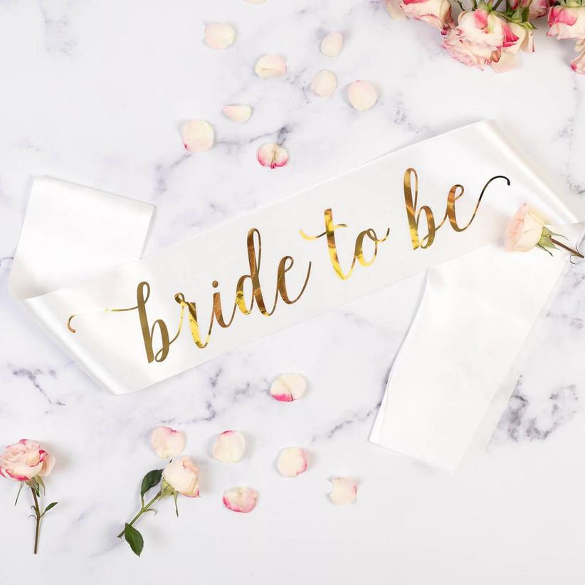 original_satin-bride-to-be-sash-with-heart-pin