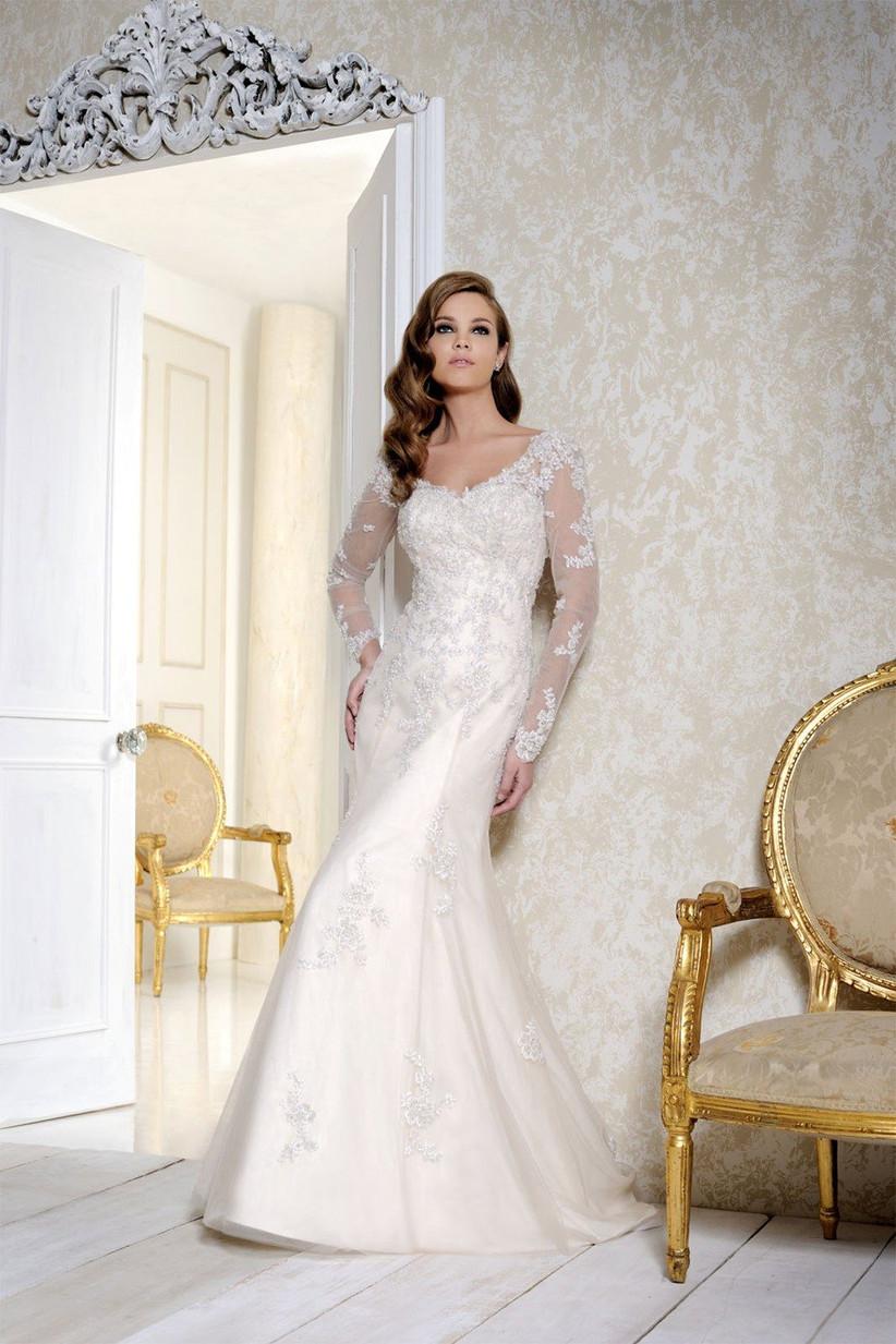 bella-swan-style-wedding-dress-by-benjamin-roberts