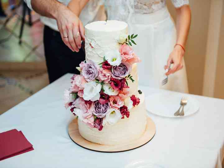 How To Safely Transport Your Wedding Cake Hitched Co Uk