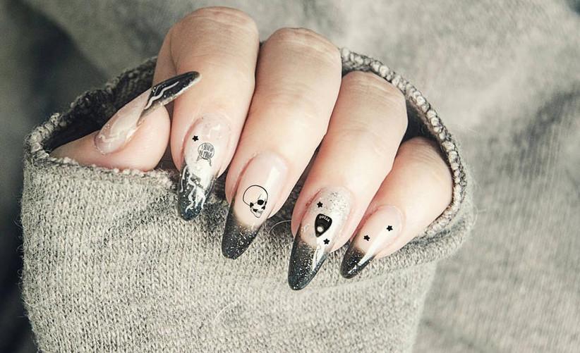 spooky-nail-wraps