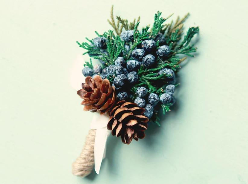 juniper-berry-buttonhole-for-a-gin-themed-wedding