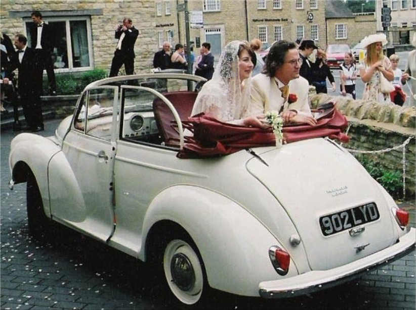 wedding-car-with-couple-from-newark-vintage-cars