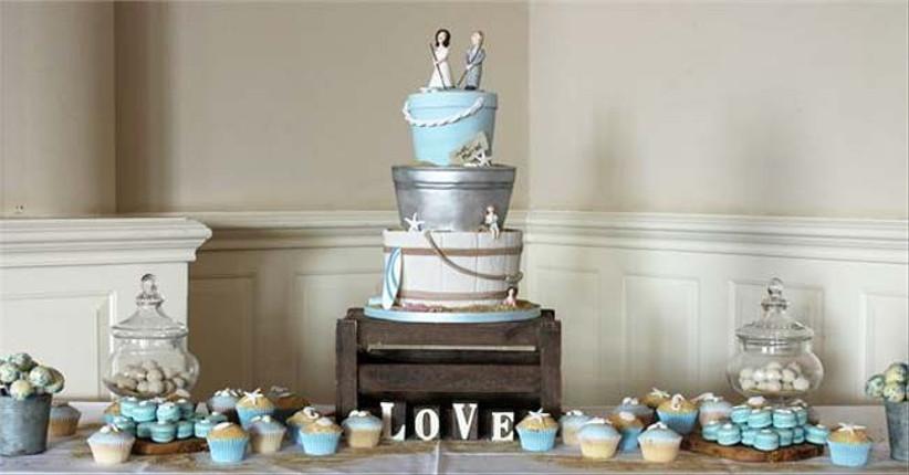 metallic-wedding-cakes-from-fancie-buns-cakery