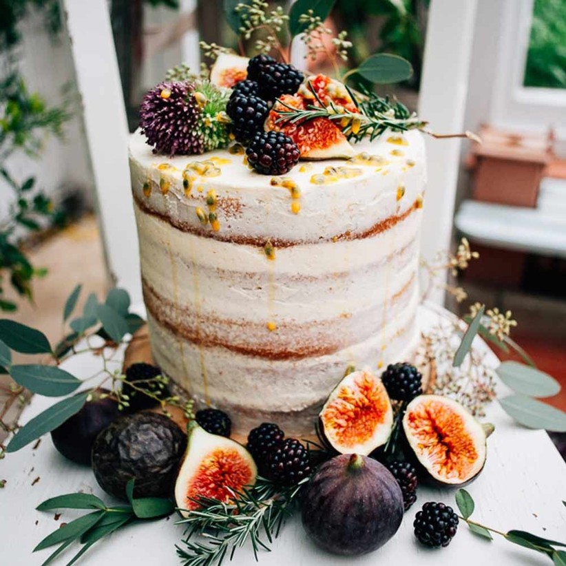 autumn-single-tier-wedding-cakes