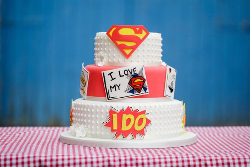 superhero-comic-book-wedding-cake