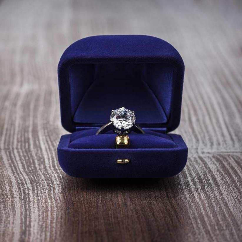 shaped-wedding-rings
