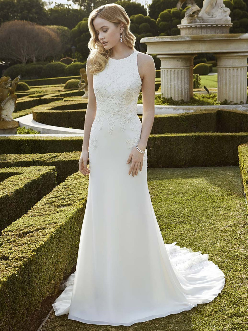 wedding-dresses-for-a-small-bust-15