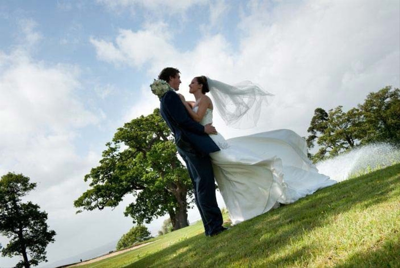 bristol-golf-club-is-a-sporting-wedding-venue-in-the-south-west-of-england