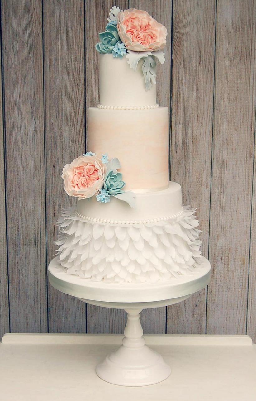 peach-feathered-wedding-cake