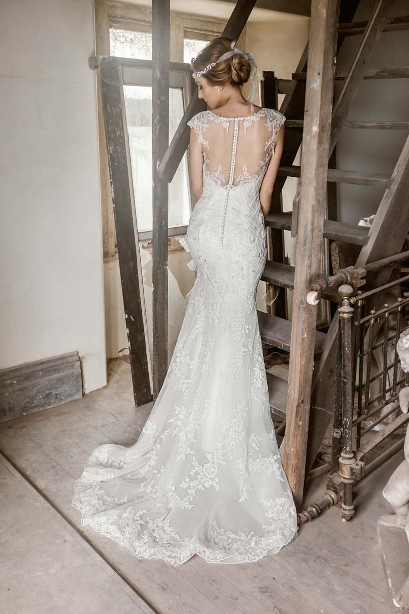 illusion-back-vintage-style-wedding-dress-2