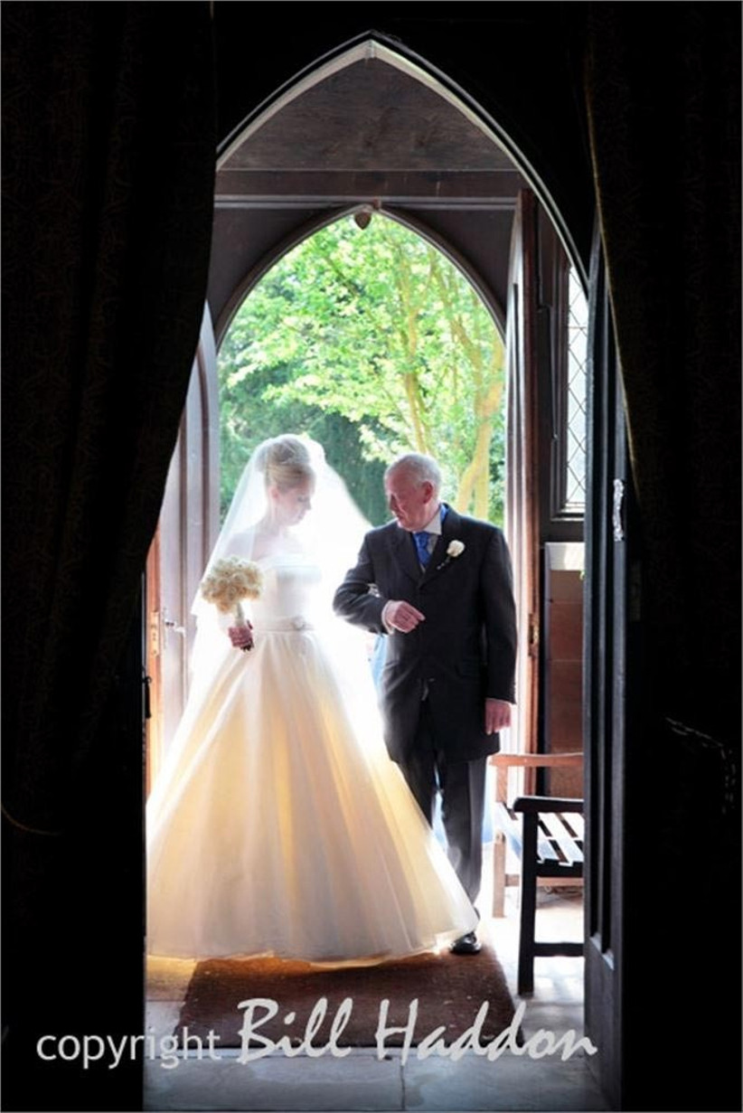 father-and-bride-entering-the-church-2