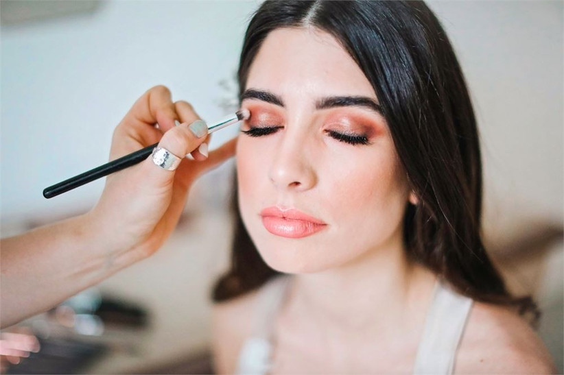 How to find your makeup artist online