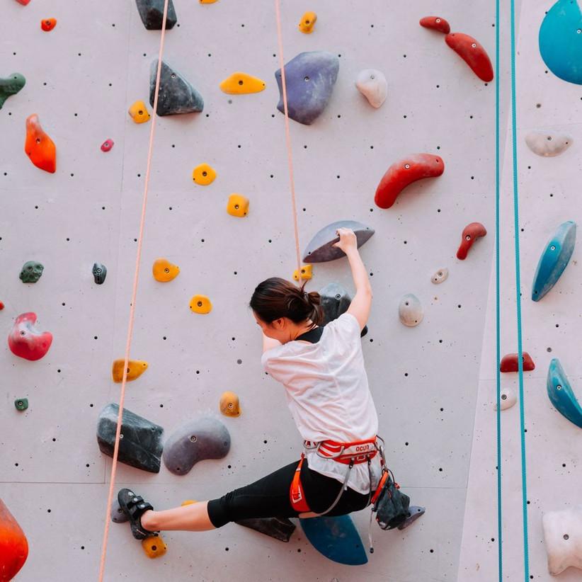 date-ideas-climbing