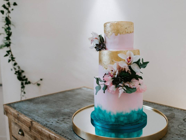 Wedding Cake Prices: How Much Does a Wedding Cake Cost?
