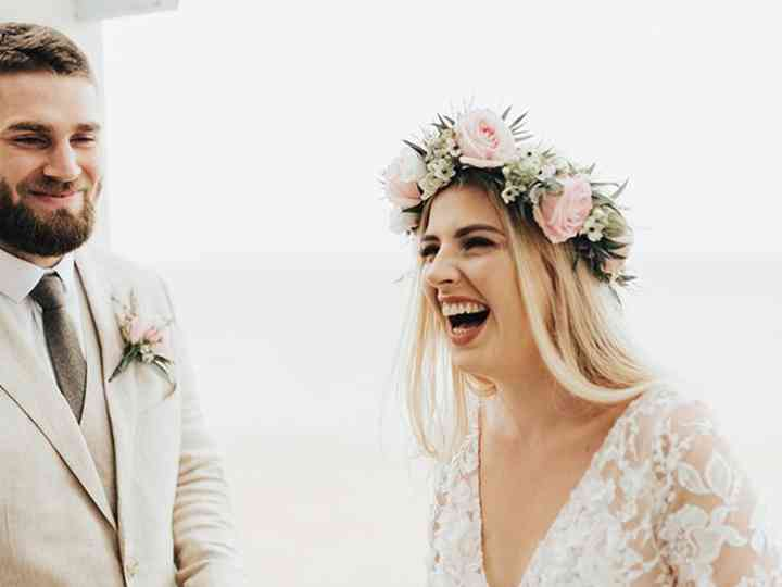 13 Funny Wedding Readings Guaranteed To Make Your Guests Laugh Hitched Co Uk