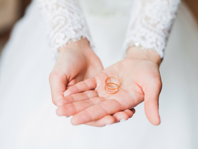 What Is the Average Ring Size for Women & Men?