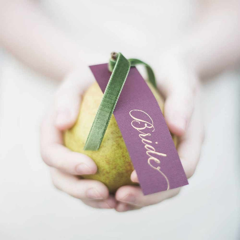 burgundy-wedding-favour-tags