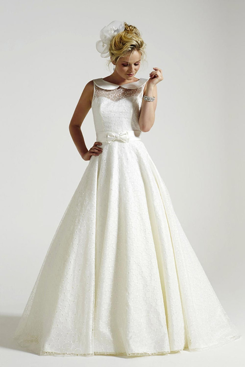 wedding-dress-with-bow-details
